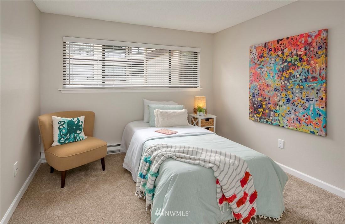 Sold Property | 13739 15th Avenue NE #B10 Seattle, WA 98125 17