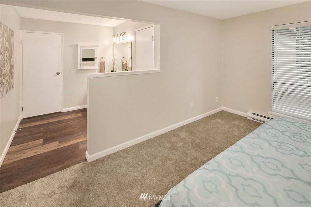 Sold Property | 13739 15th Avenue NE #B10 Seattle, WA 98125 22