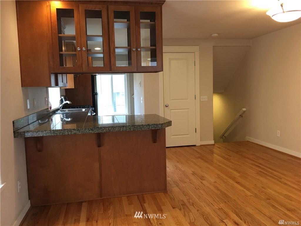 Sold Property | 4612 Interlake Avenue N Seattle, WA 98103 5