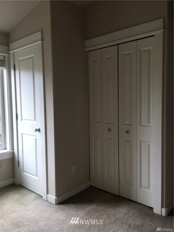 Sold Property | 4612 Interlake Avenue N Seattle, WA 98103 8
