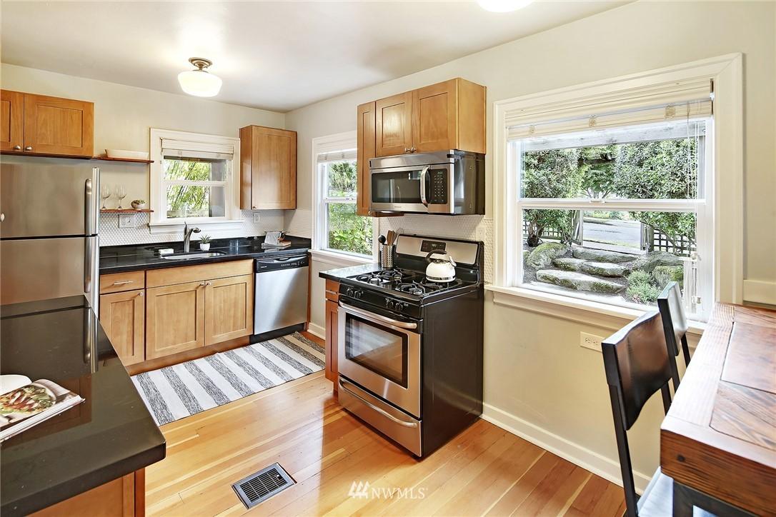 Sold Property | 532 NE 92nd Street Seattle, WA 98115 6
