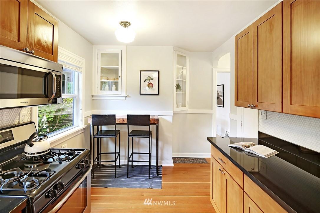 Sold Property | 532 NE 92nd Street Seattle, WA 98115 8