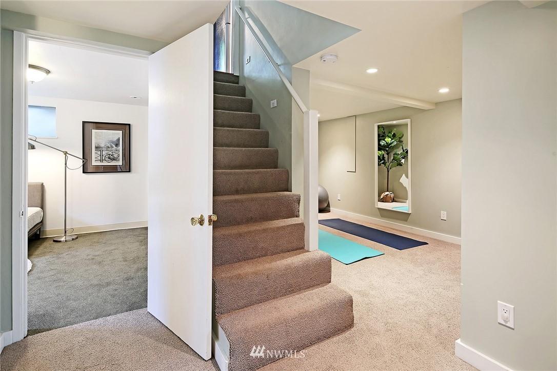 Sold Property | 532 NE 92nd Street Seattle, WA 98115 15