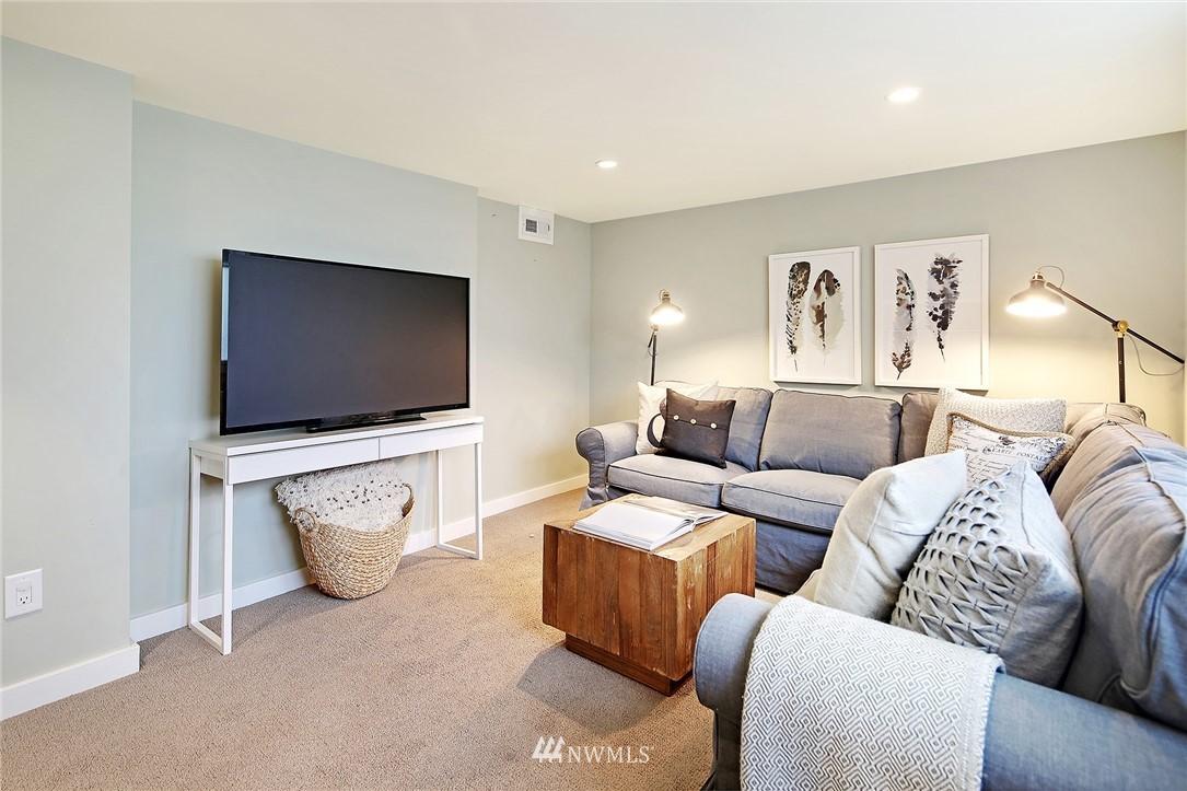 Sold Property | 532 NE 92nd Street Seattle, WA 98115 16