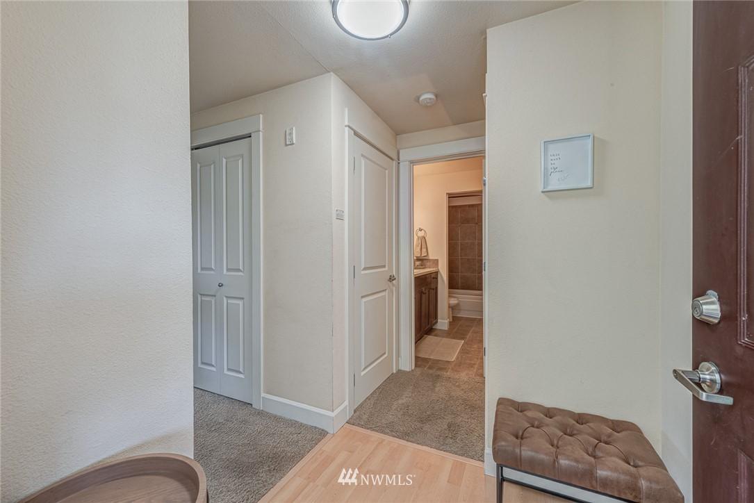 Sold Property | 300 N 130 Street ##1304 Seattle, WA 98133 4