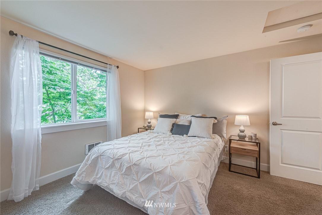 Sold Property | 300 N 130 Street ##1304 Seattle, WA 98133 5