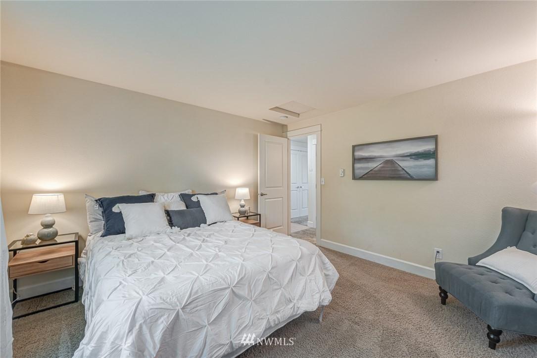Sold Property | 300 N 130 Street ##1304 Seattle, WA 98133 6