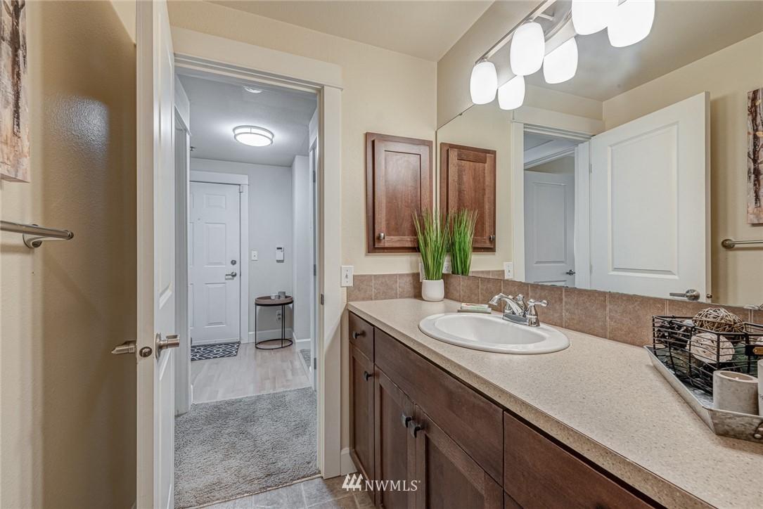 Sold Property | 300 N 130 Street ##1304 Seattle, WA 98133 8