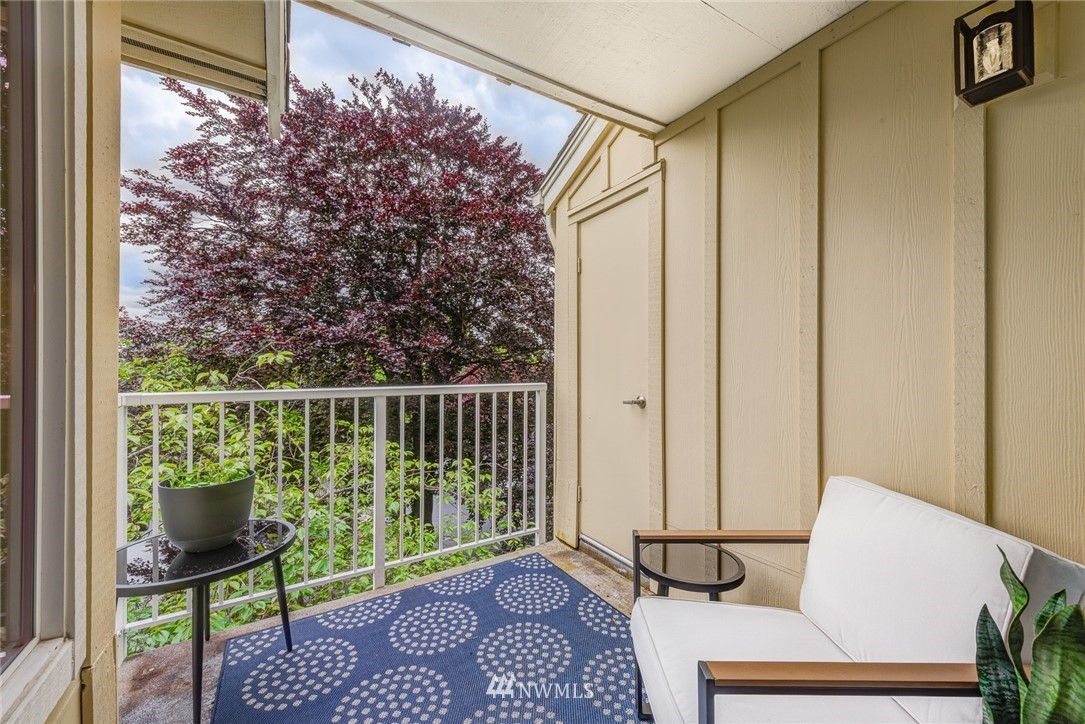 Sold Property | 300 N 130 Street ##1304 Seattle, WA 98133 16
