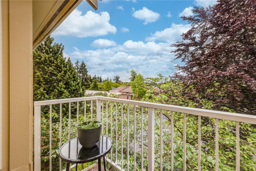Sold Property | 300 N 130 Street ##1304 Seattle, WA 98133 17
