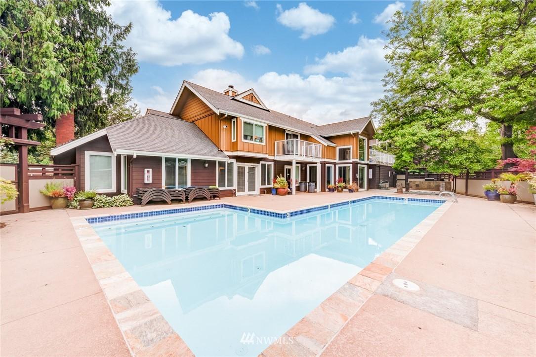 Sold Property | 300 N 130 Street ##1304 Seattle, WA 98133 18