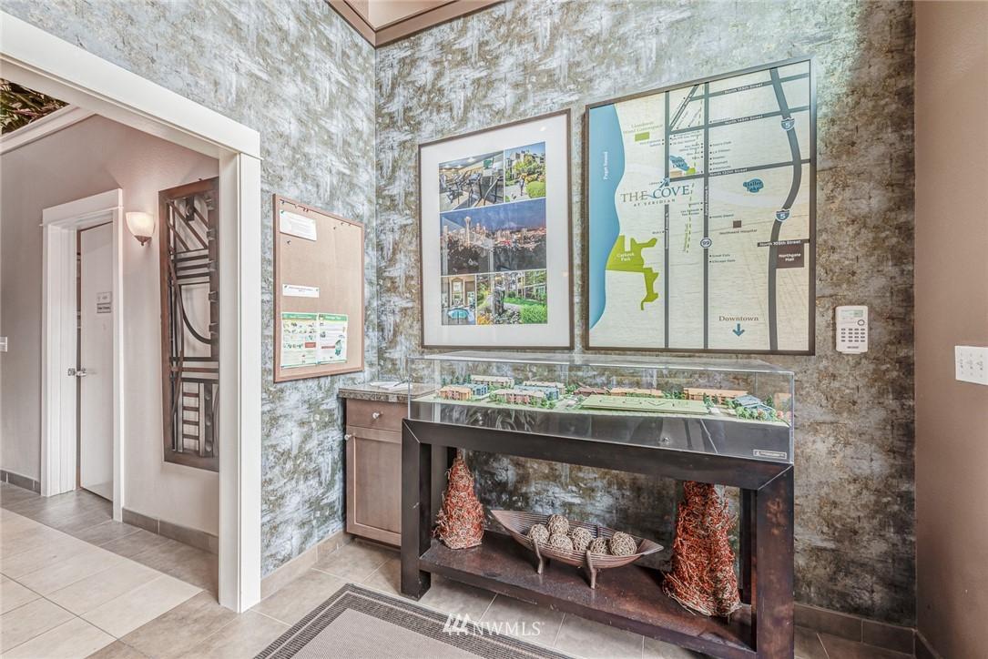 Sold Property | 300 N 130 Street ##1304 Seattle, WA 98133 19