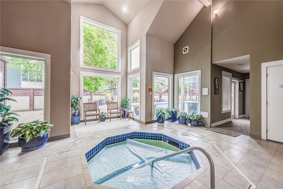 Sold Property | 300 N 130 Street ##1304 Seattle, WA 98133 20