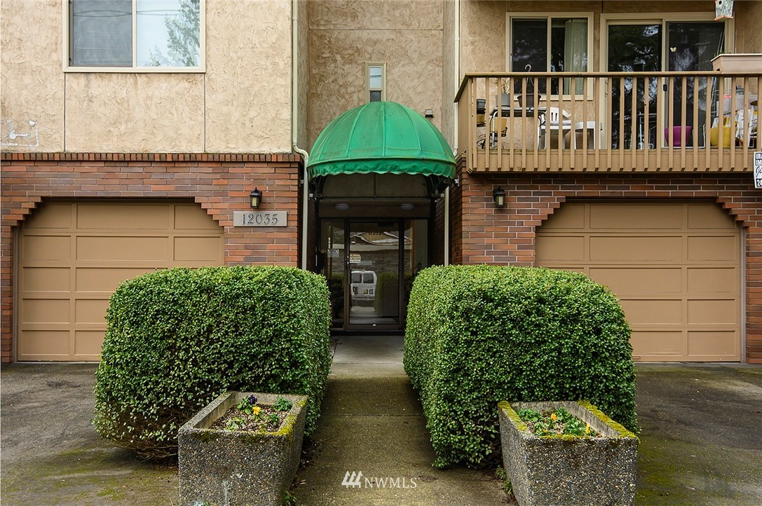 Sold Property | 12035 32nd Avenue NE #305 Seattle, WA 98125 0