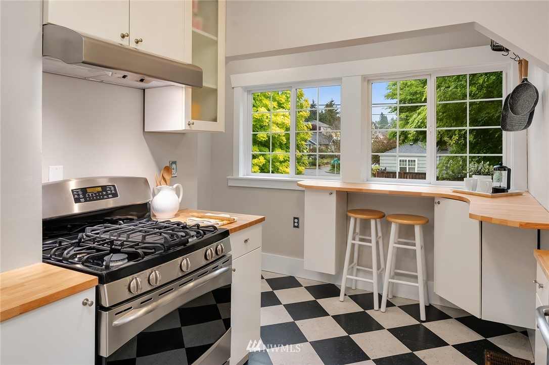 Sold Property   6556 Division Avenue NW Seattle, WA 98117 13