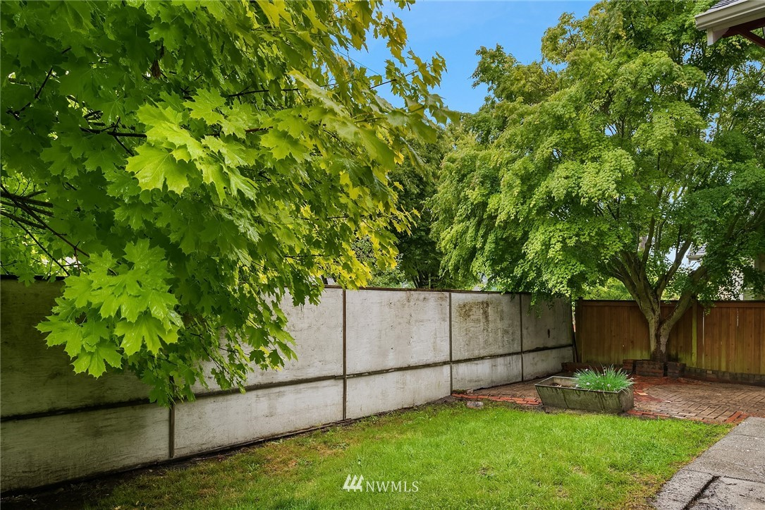 Sold Property   6556 Division Avenue NW Seattle, WA 98117 23