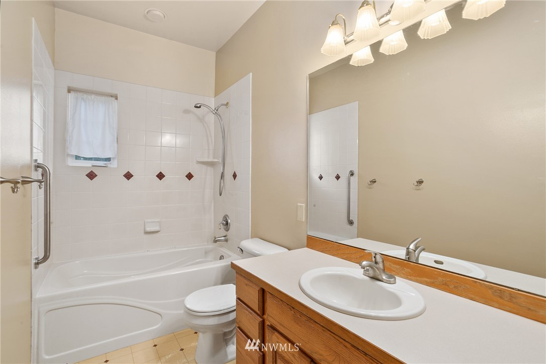 Sold Property | 19807 13th Drive SE Bothell, WA 98012 23