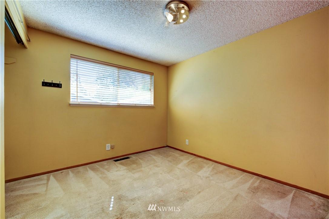 Sold Property | 20931 88th Place W Edmonds, WA 98026 7