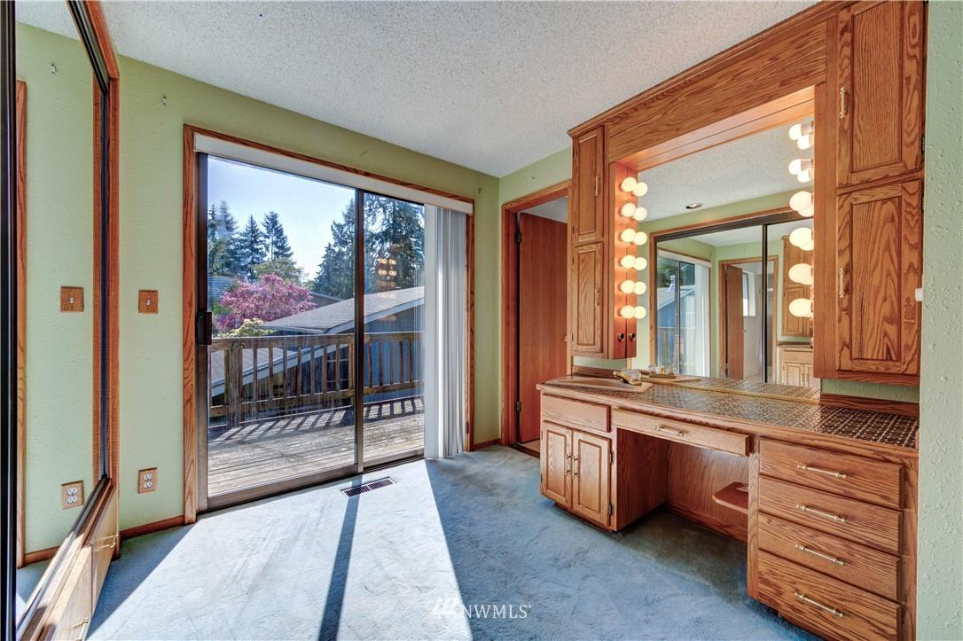 Sold Property | 20931 88th Place W Edmonds, WA 98026 10