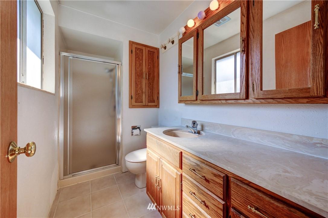 Sold Property | 20931 88th Place W Edmonds, WA 98026 11