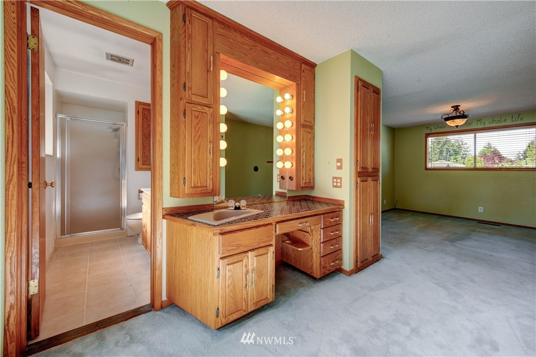 Sold Property | 20931 88th Place W Edmonds, WA 98026 12