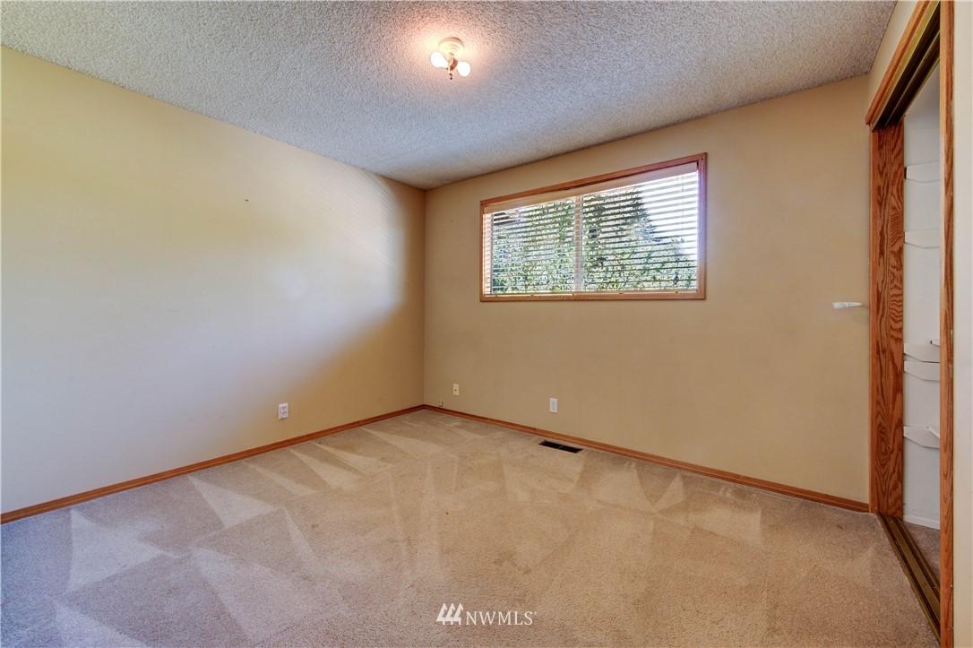 Sold Property | 20931 88th Place W Edmonds, WA 98026 14