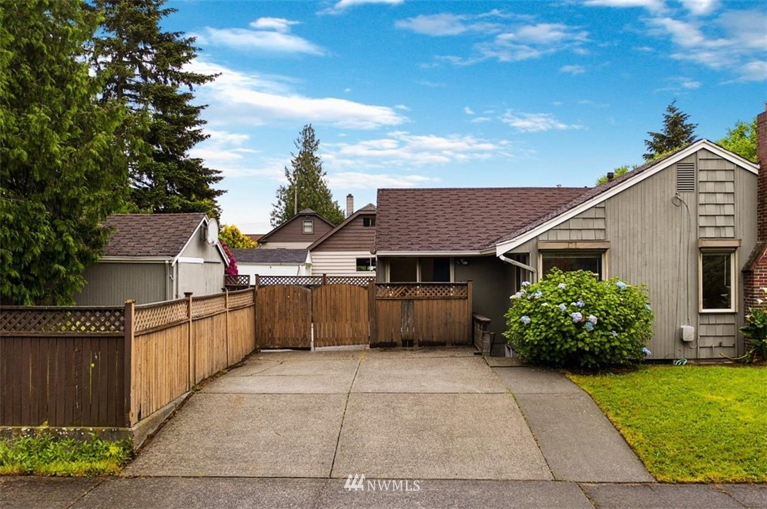 Sold Property | 1016 NW 80th Street Seattle, WA 98117 2