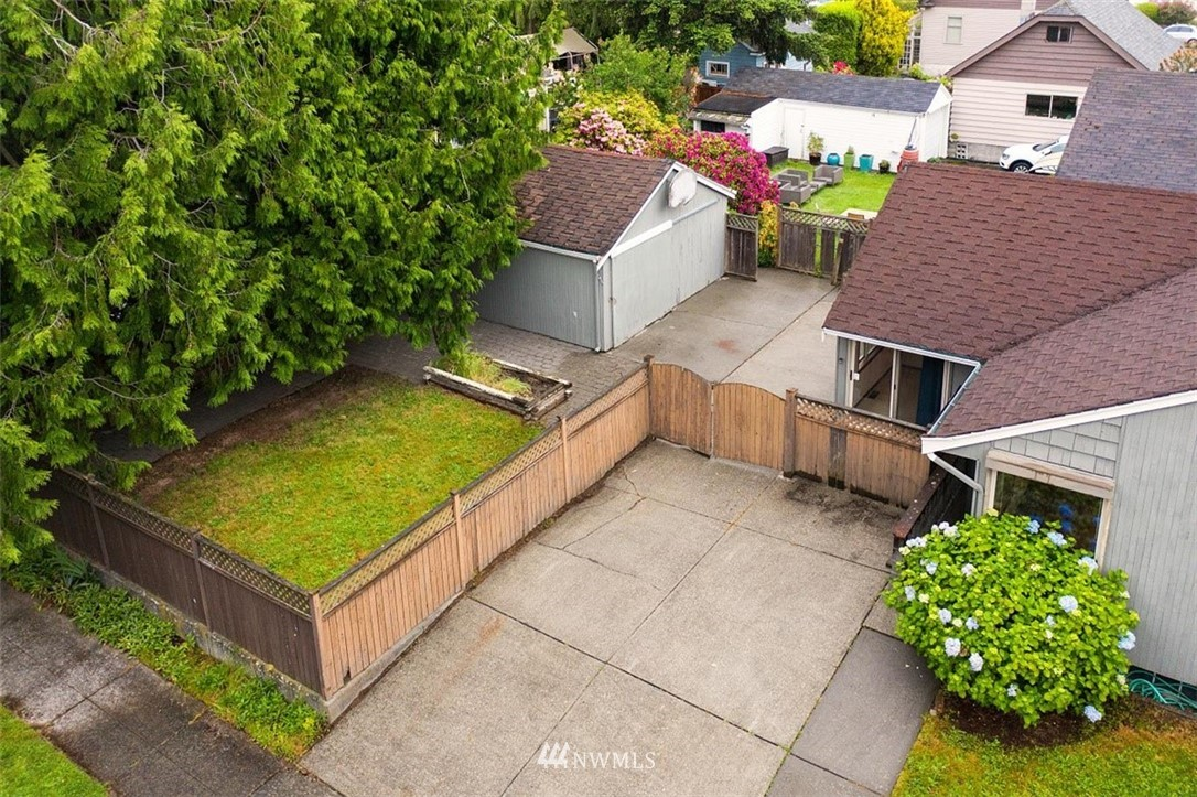 Sold Property | 1016 NW 80th Street Seattle, WA 98117 3