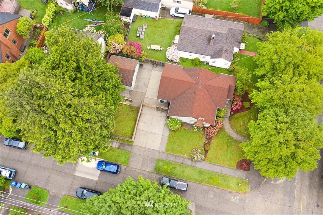 Sold Property | 1016 NW 80th Street Seattle, WA 98117 4