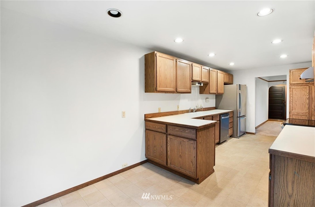 Sold Property | 1016 NW 80th Street Seattle, WA 98117 12