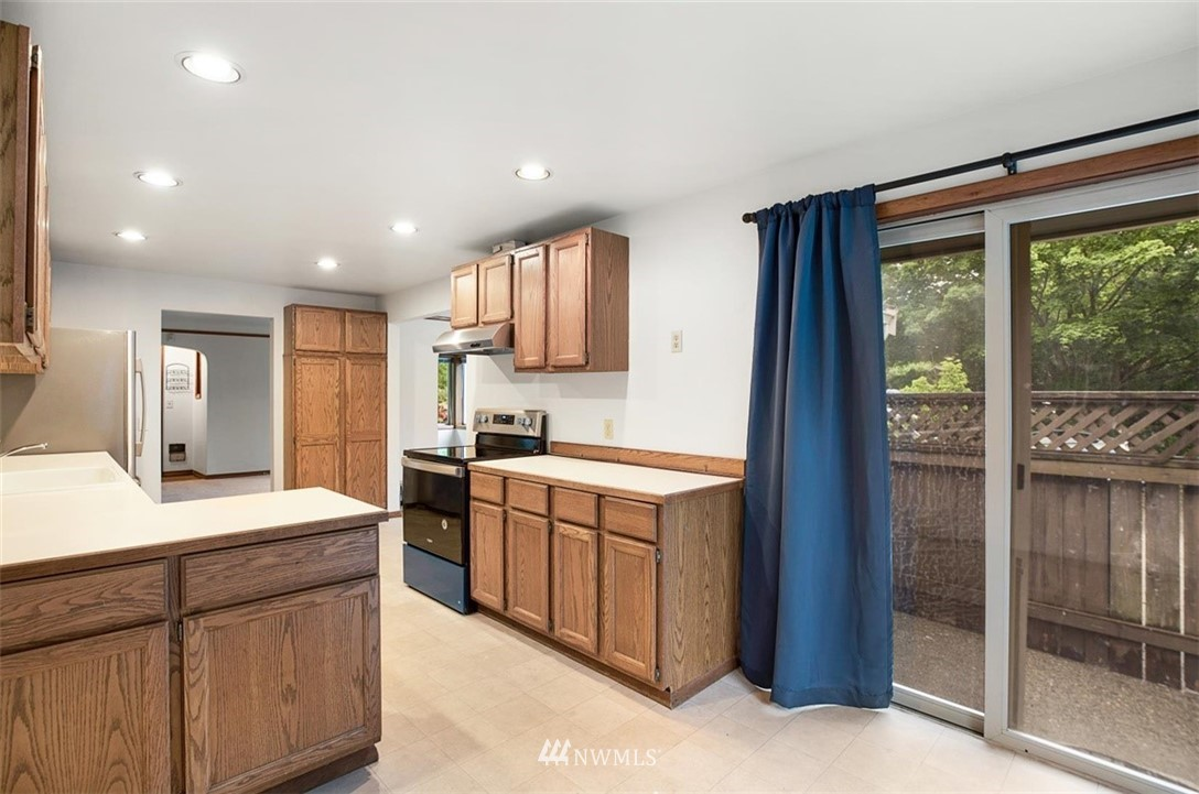 Sold Property | 1016 NW 80th Street Seattle, WA 98117 13