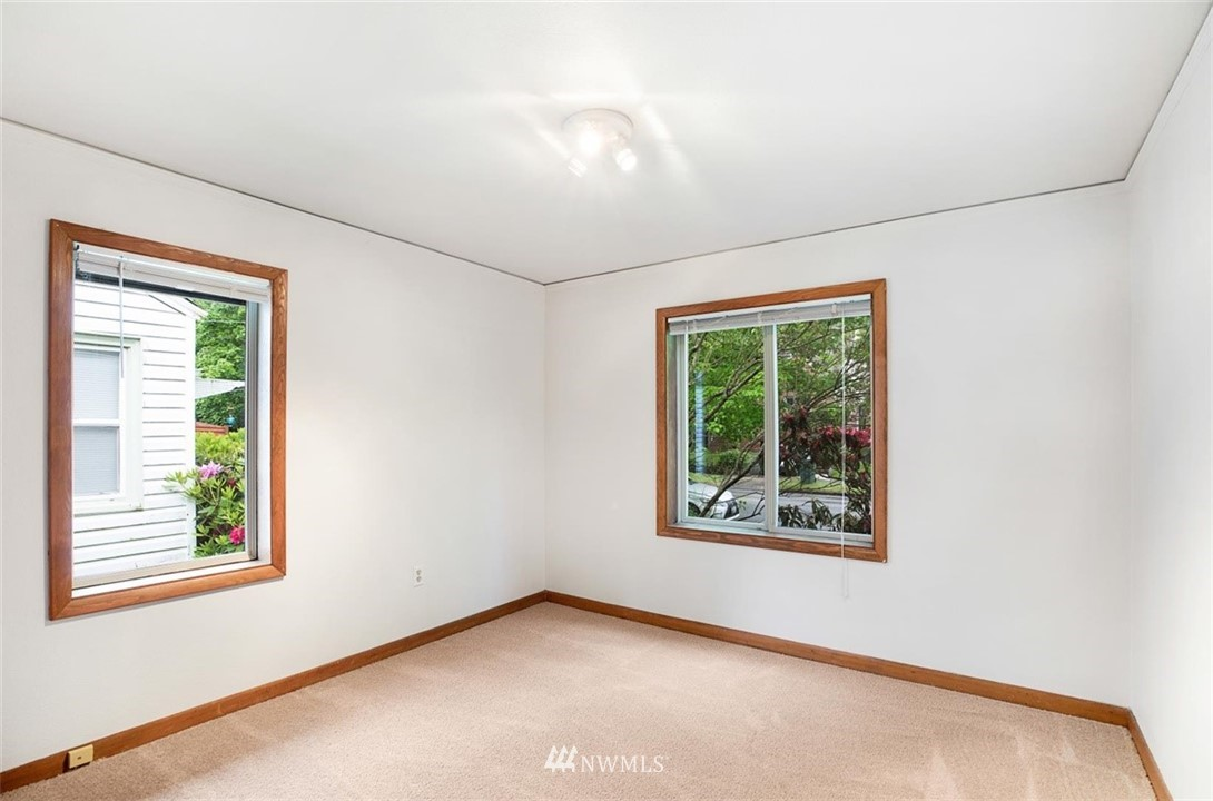 Sold Property | 1016 NW 80th Street Seattle, WA 98117 17