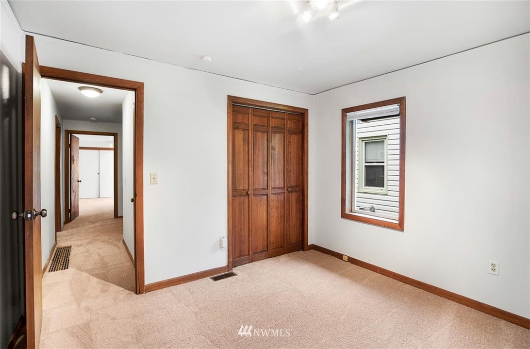 Sold Property | 1016 NW 80th Street Seattle, WA 98117 18