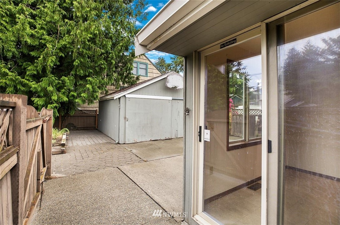 Sold Property | 1016 NW 80th Street Seattle, WA 98117 29