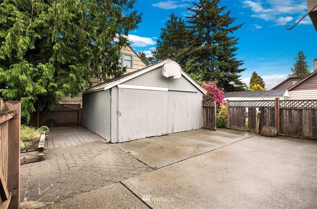 Sold Property | 1016 NW 80th Street Seattle, WA 98117 30