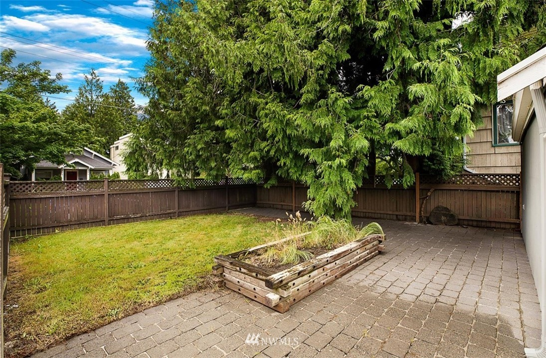 Sold Property | 1016 NW 80th Street Seattle, WA 98117 31
