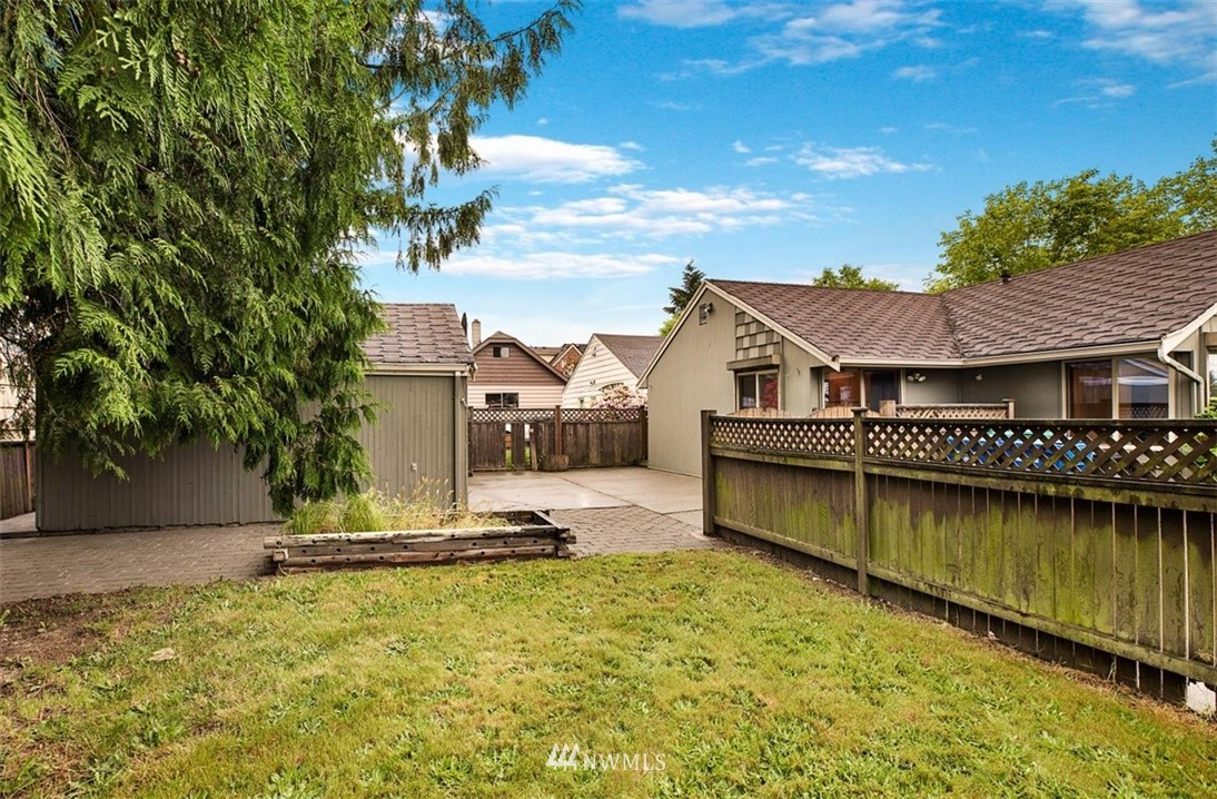 Sold Property | 1016 NW 80th Street Seattle, WA 98117 32