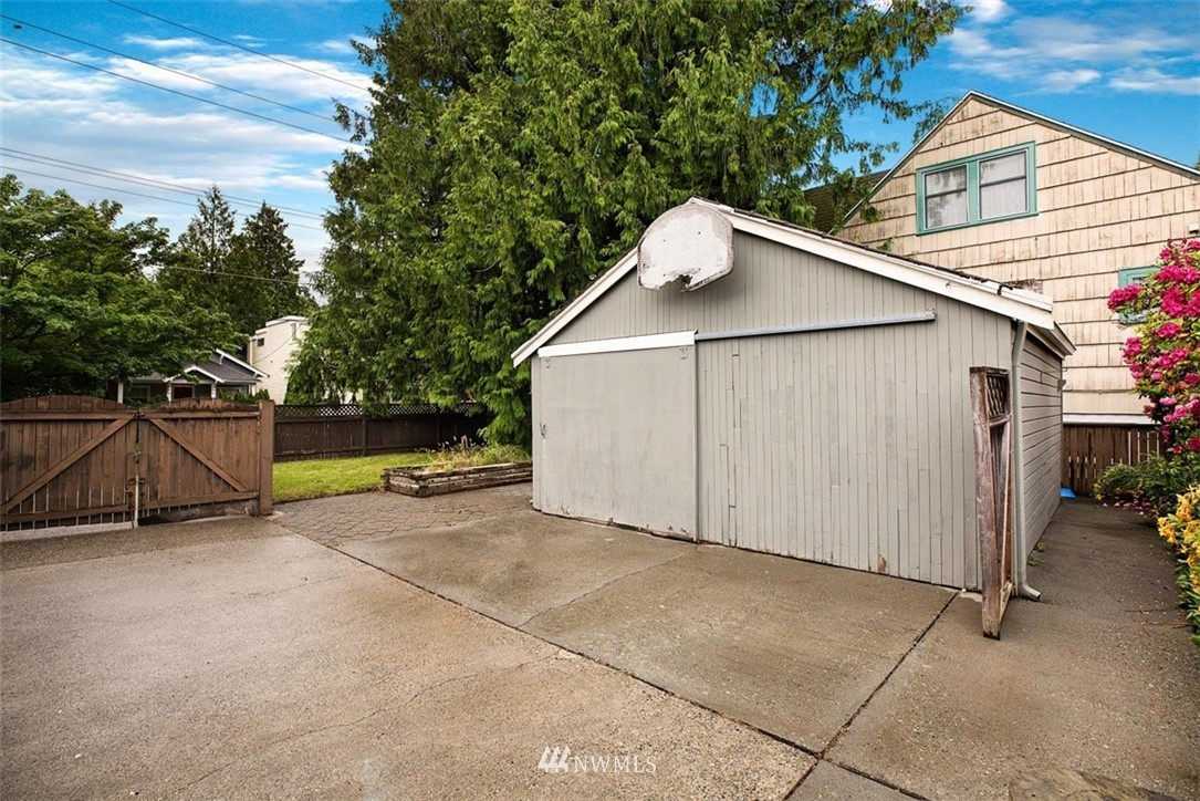 Sold Property | 1016 NW 80th Street Seattle, WA 98117 34