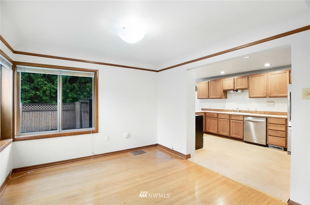 Sold Property | 1016 NW 80th Street Seattle, WA 98117 37