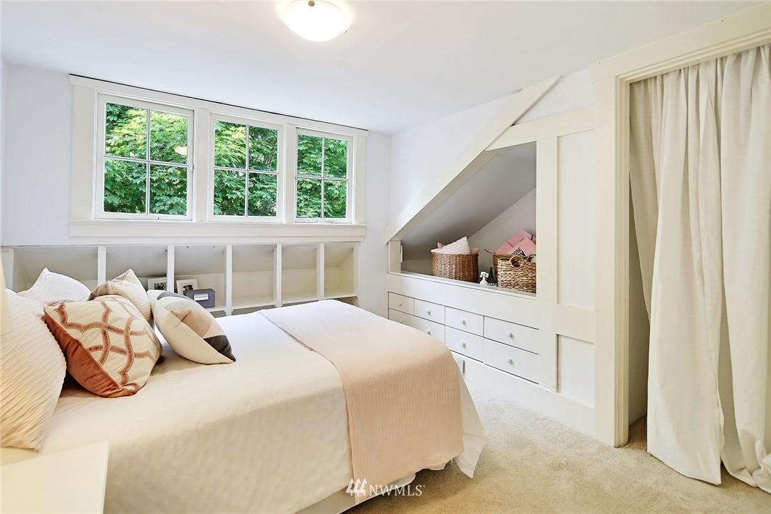 Sold Property   5516 Woodlawn Avenue N Seattle, WA 98103 21