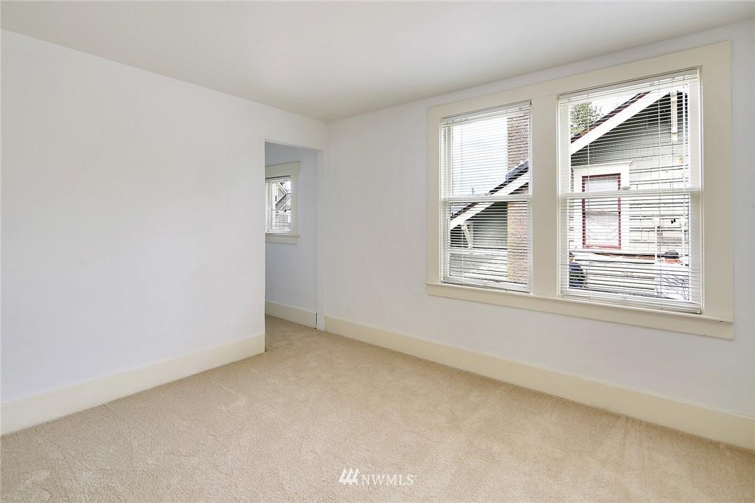 Sold Property   5516 Woodlawn Avenue N Seattle, WA 98103 23