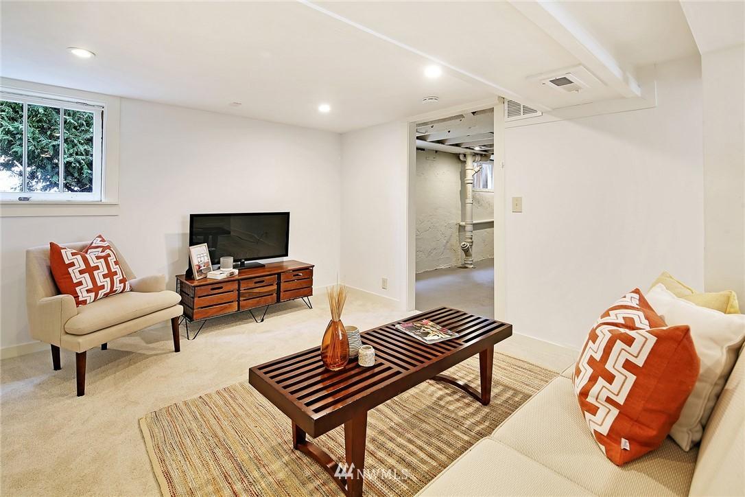 Sold Property   5516 Woodlawn Avenue N Seattle, WA 98103 27
