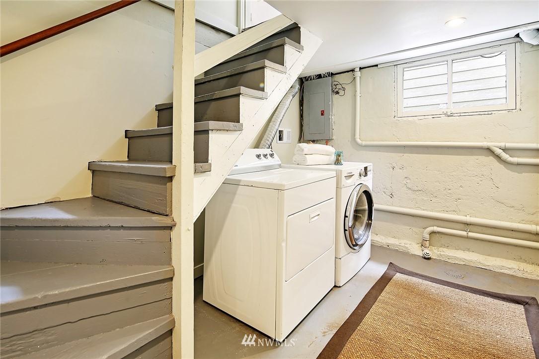 Sold Property   5516 Woodlawn Avenue N Seattle, WA 98103 31