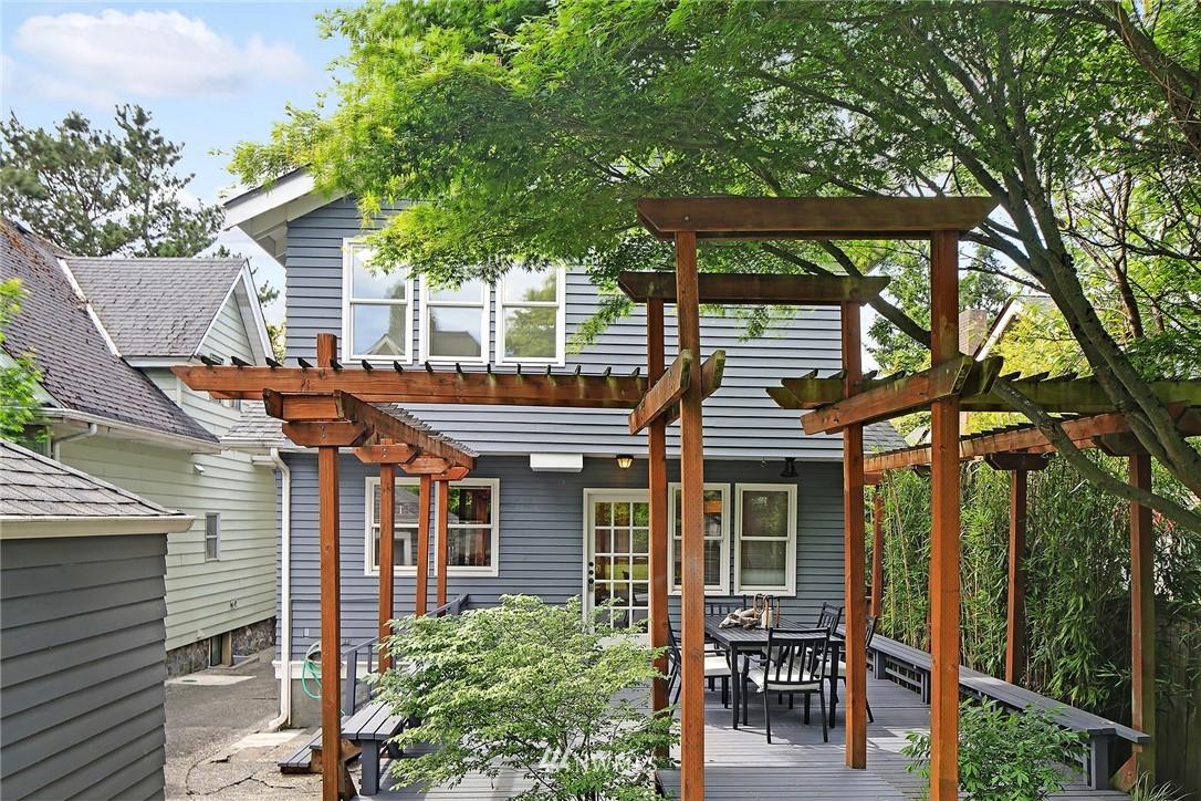 Sold Property   5516 Woodlawn Avenue N Seattle, WA 98103 35