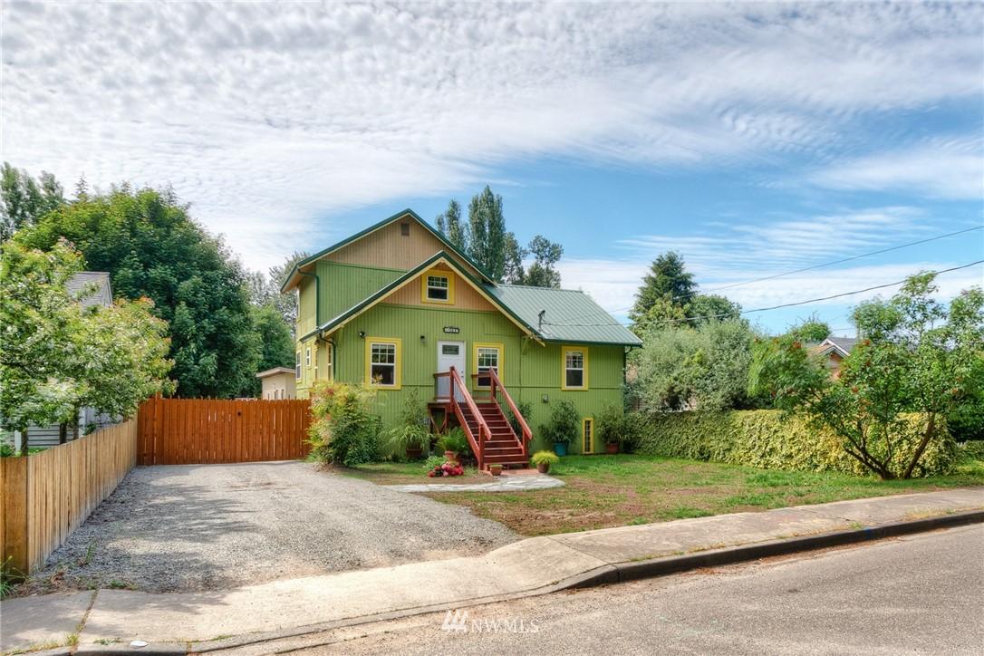 Sold Property | 11807 40th Avenue S Tukwila, WA 98168 2