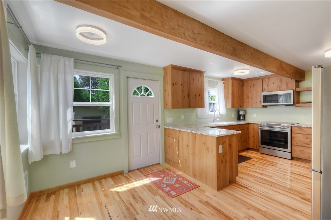 Sold Property | 11807 40th Avenue S Tukwila, WA 98168 8