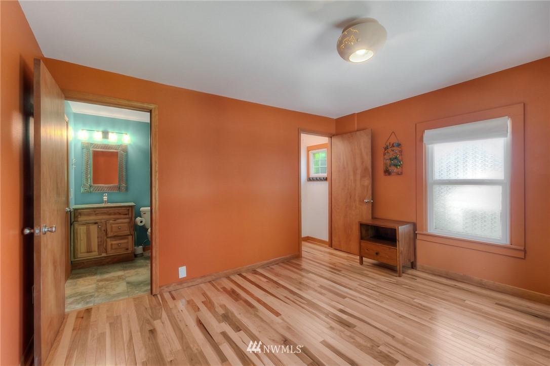 Sold Property | 11807 40th Avenue S Tukwila, WA 98168 9