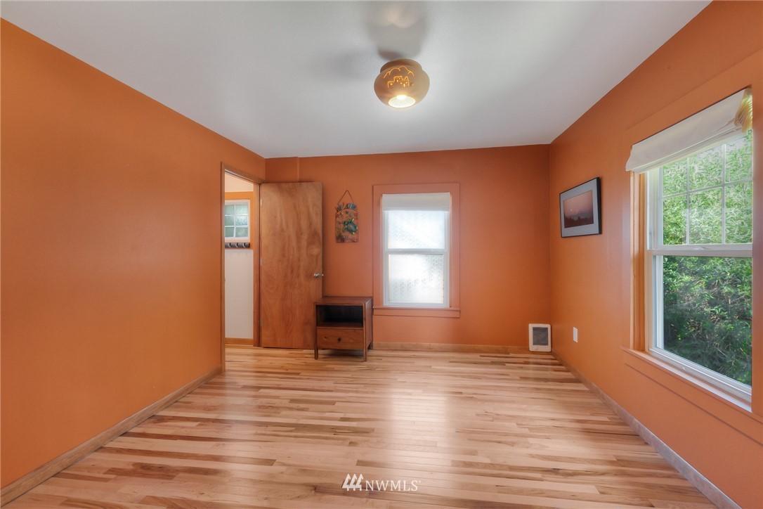 Sold Property | 11807 40th Avenue S Tukwila, WA 98168 10