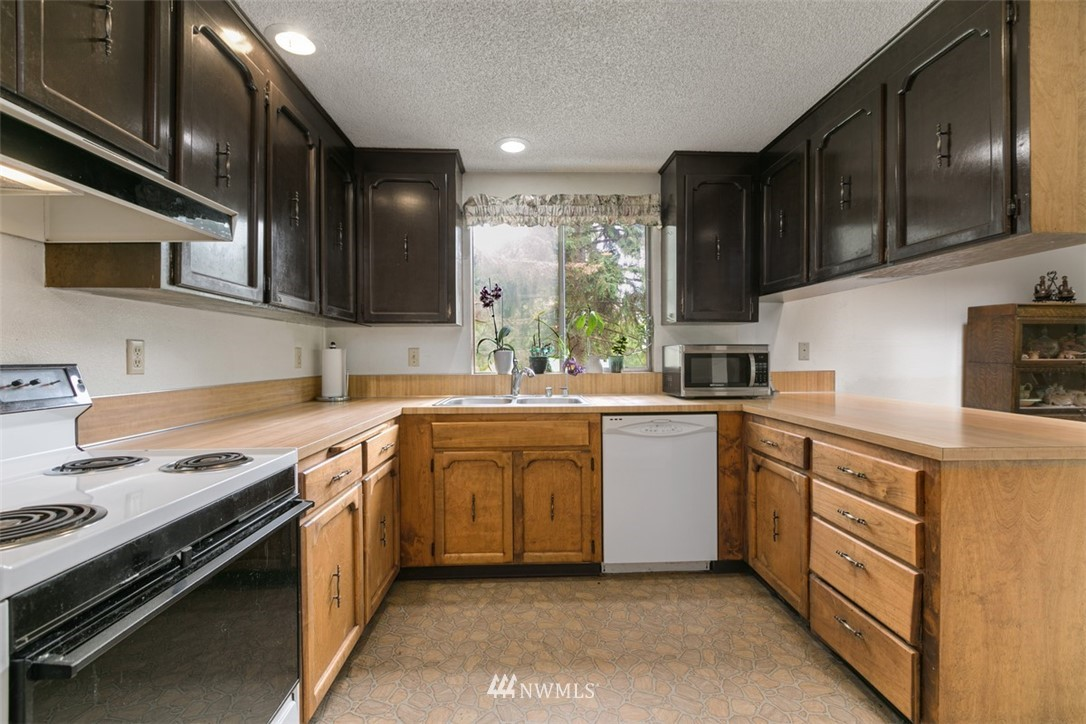 Sold Property | 23525 27th Avenue SE Bothell, WA 98021 8