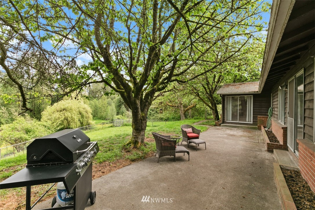 Sold Property | 23525 27th Avenue SE Bothell, WA 98021 23